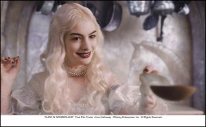 Anne Hathaway's White Queen